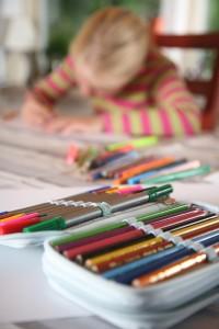child-reading-writting
